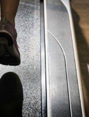 Person-running-on-treadmill